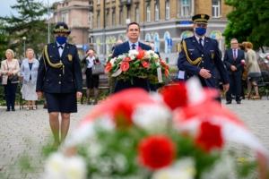 Złożenie kwiatów przy Pomniku Ofiar Stalinizmu