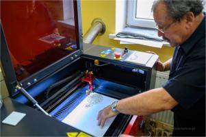 Otwarcie pracowni obróbki laserowej Warsztatów Terapii Zajęciowej