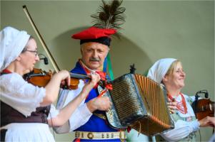 Folklor w Amfiteatrze: Zalasowianie