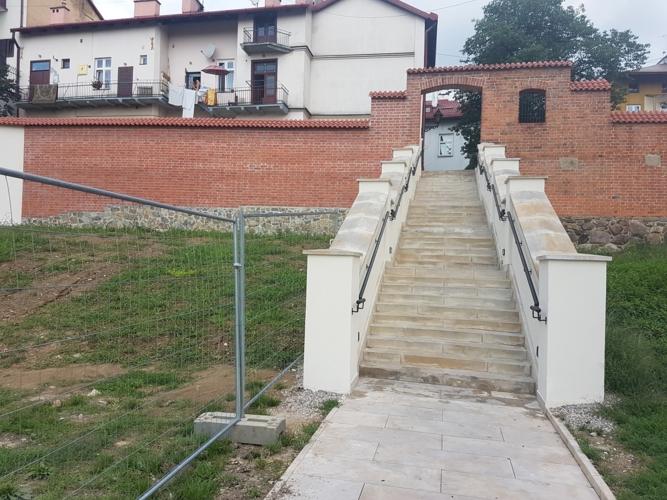 Renowacja Murów Miejskich w Tarnowie przy ul. Bernardyńskiej w rejonie Małych Schodów
