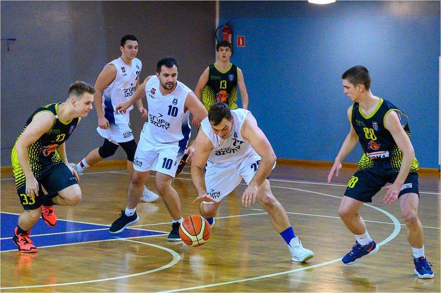 Mecz III ligi koszykówki mężczyzn: MUKS 1811 Unia Tarnów - UKS Regis Wieliczka
